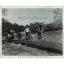 1976 Press Photo Bicycling in Cleveland Metroparks System