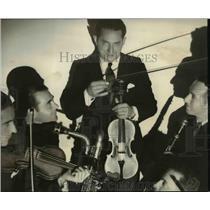 1935 Press Photo Frank Pinero - orp22622