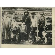 1930 Press Photo Typical family of Tanna Tuwa Mongololian natives