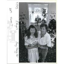 1993 Press Photo Mr and Mrs Peter Davis with their Angels collection. - ora18357