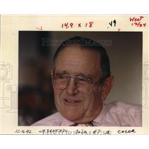1992 Press Photo Bob Kreutzer Plays Santa - ora47571