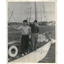 1938 Press Photo Sherman & Earl Woodfall, on the deck of their home made ketch