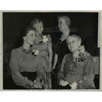 1940 Press Photo Mrs. James Hoffmann & Carrie Charman Catt former Suffragettes