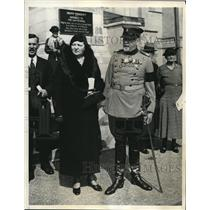 1934 Press Photo Capt.Gordon Smith & wife,Memorial Services,Washington Cathedral