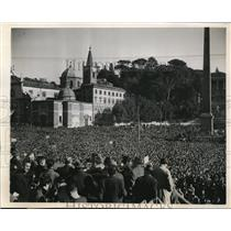 1947 Photo Huge Crowd Workers Gather Piazza Del Popolo. Rome Italy