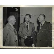 1943 Press Photo Dr. Alberto Paz, with united press James H. Furay & Carl Bickel