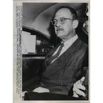 1952 Press Photo Owen Lattimroe Leaves District Court After Pleading Innocent