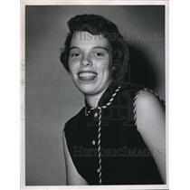 1955 Press Photo Carol Kersken Valedictorian of Lutheran High - nee02308