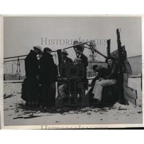 1941 Press Photo Werd Calif striking lumber mill workers in snow on picket line