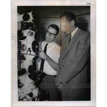 1961 Press Photo A.E.Potter and H.W.Brandhorst Jr. Chemical and Energy Corp.