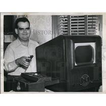 1952 Press Photo Mr Hershowtiz Blind Builds Own Television