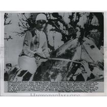 1925 Press Photo RAF Group Captain Peter Townsend and his mount, Nimrod