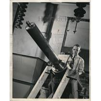 1948 Press Photo Westinghouse Research Laboratory Electrical Ammunition Howitzer