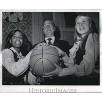 1971 Press Photo Cleveland Campaign
