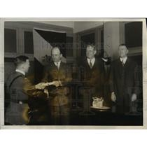 1926 Press Photo of Lt. R.D. Biggs receiving his diploma form the Assistant