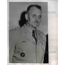 1951 Press Photo Korea Brig Gen Crawford Sams gets Distinguished Service Cross