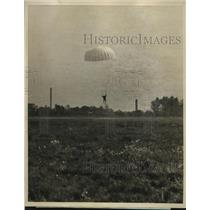 1926 Press Photo Parachute landing at the opening of 1st National Air Race