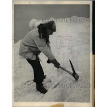 1944 Press Photo Hughston McBain Chops Ice w Pick, Lake Michigan Winnetka