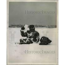 1948 Press Photo Andy Peterson of Goodyear Aircraft Corp in Alaska - nee06499