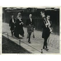 1932 Vintage Photo Procession to open London Law Courts for autumn term