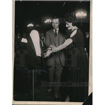 1921 Press Photo Tailors convention with President Harding's suits on display