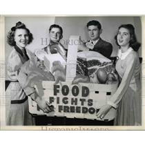 1943 Press Photo V. Nelson, J. Weis, Delmer Couch and Rena Garner - nee15706