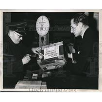 1951 Press Photo American Businessman K.O.W. Wahle Mails Joseph Stalin Radio