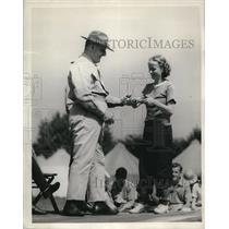 1937 Press Photo Helen Jenkins Columbus Ohio & Col FC Endicott rifle school