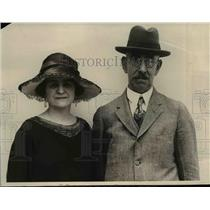 1923 Press Photo Mr and Mrs J G Stonor sailing on SS Camorionia - nee12876