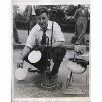 1938 Press Photo FJ Farrel Tests New Philadelphia Safety Markers  - nee09463