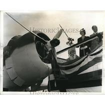 1941 Press Photo Downey Calif Lord Halifax UK Amb & Lady Haifax at Vultee plane
