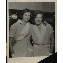 1930 Press Photo Isabelle and Mildred Vermilion is wearing their uniforms