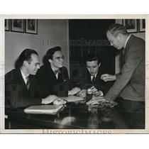 1946 Press Photo Atomic bomb scientists, Dr. Borst, Dr. Hill and Dr. Jorgensen