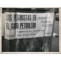 1938 Press Photo Poster in Mexico in support of oil seizure - nee17350