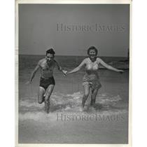 1941 Press Photo Mr. and Mrs. Geo Street of Richmond Virgnia - nee21154