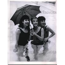 1963 Press Photo Landon Bathing Gals - nee18801
