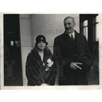 1930 Press Photo British Ambassador Sir Ronald and Lady Lindsay Arrive Washingto
