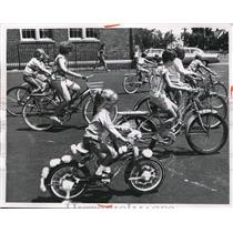 1965 Press Photo Slow bikers in a race at Harper school in Cleveland Ohio