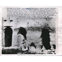 1952 Press Photo Libyan Troglodite Outside Carved Cave House - nee20207