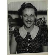 1937 Press Photo Elsie Jackelski - nee24280