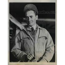 1944 Press Photo Clifford Foss in training at Civilian Flight Instructions