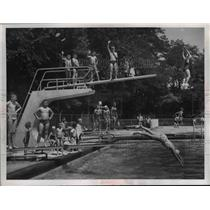 1958 Press Photo Cumberland Pool New Diving Section - nee29358
