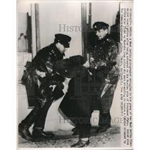1948 Press Photo East Berlin Police Struggle with West Berlin Photographer