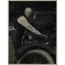 1922 Press Photo William Downing With Buzz Wagon - nee25576
