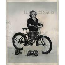 1950 Press Photo The bike manufacturer provide extra outrigger wheels