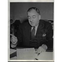 1943 Press Photo Assistant attorney General Wendell Berge - nee24937