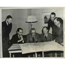 1941 Press Photo Selecting site for $10,000,000 aircraft assembly plant in Okla.