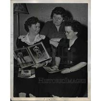 1946 Press Photo Whittington sisters, Julia, Frances and Helen, Philadelphia