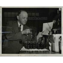 1948 Press Photo Charles Gebauer, chemical concern executive - nee32867