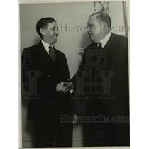 1931 Press Photo Will Hays and Genaro Estrada shake hands in California